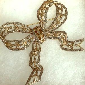 Gorgeous CASTLECLIFF large rhinestone bow brooch.